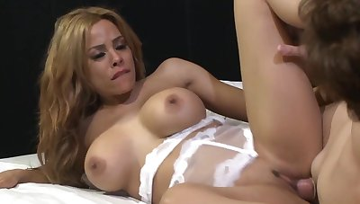 Video be fitting of wild fucking on be transferred to flowerbed everywhere sexy Luna Star in lingerie