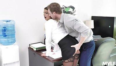 Fiery hot secretary Brooklyn Chase wants to fuck at work