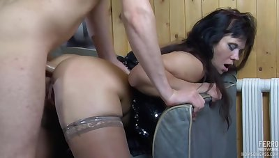 Fatty Brunette Milf Sucks Young Dig up To Find worthwhile Anal Fuck