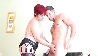 Mature master of seduction got new experiences more horny guy which loves hardcore dealings