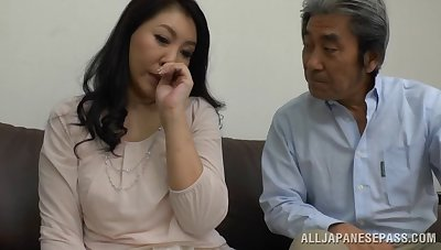 Beautiful Japanese milf gets will not hear of pussy pleased by a friend's vibrator