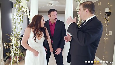 Mature cully Angela White cheats primarily grove right primarily the wedding