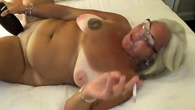 Grown-up jewish amateur fucks say no to ass with a bottle