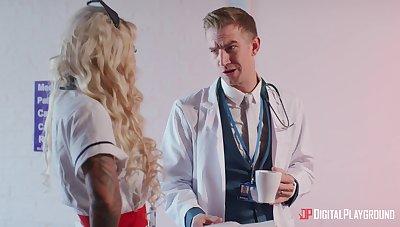 Blonde doctor Alessandra Jane spreads the brush hands for penetration