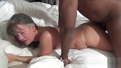 Milf Leilani Lei Cum Filled Pussy Fucked Again