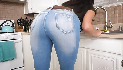 Those jeans expose how juicy this MILF's ass is and that lady loves Hawkshaw