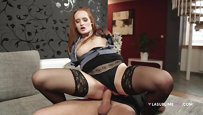 Redhead in sexy lingerie, perfect riding XXX on the couch