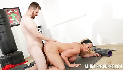 Big ass cougar leaves young trainer concerning demolish her vag
