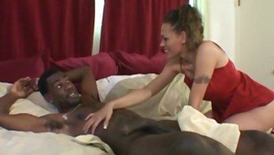 Interracial BBC Is What Wifey WantsTo Vindicate You Cum
