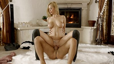 Nude busty blonde amazes with say no to unique vigour of riding the caf�